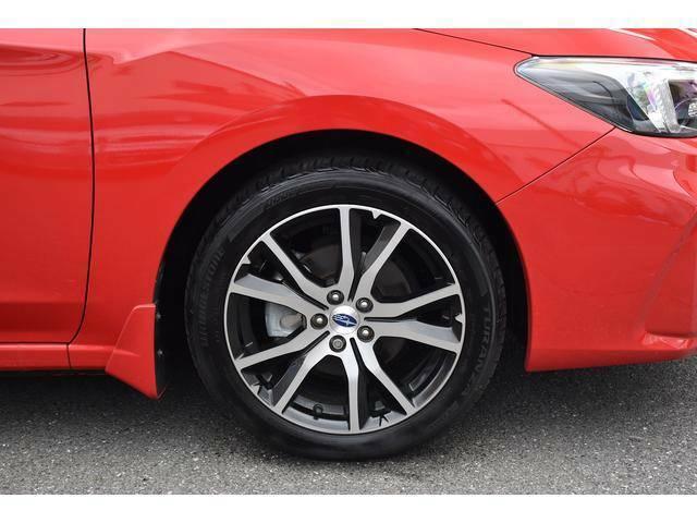 205/50R17タイヤと純正切削光輝デザインの17インチアルミホイール