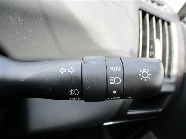 【コンライト(オートライト)】センサーで明るさを感知し、自動でライトのON/OFFをしてくれます。