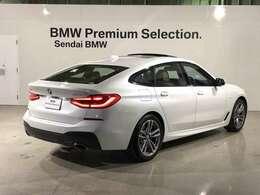 M Sportは、BMWのハイ・パフォーマンス・モデルであるMモデルを手掛けるBMW M社が開発した専用装備を数多く採用し、ダイナミックな走りとスタイリングをさらに強調しています。