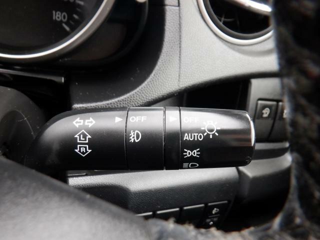 AUTOライト機能付!暗くなると自動的にライトがオン♪
