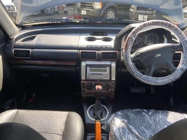 快適な運転席♪RV車ならではの視界の良さも光ります!