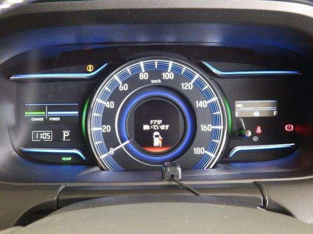マルチインフォメーション・ディスプレイ機能【 経過時間/平均車速など様々な情報を表示 】付き、スピードメーターです。