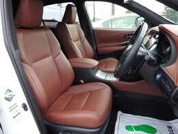 運転席シート☆高級なナッパレザーシート☆おしゃれなダークサドルタン内装☆禁煙車でとてもキレイな室内です☆
