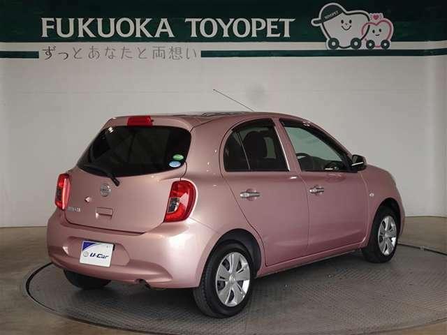 色はおしゃれなピンクです。