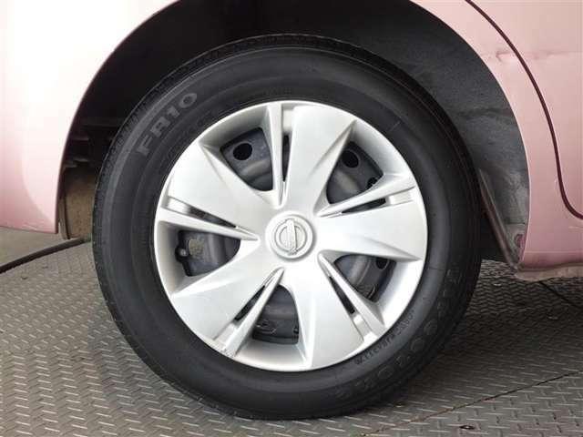 タイヤの溝は十分あります。