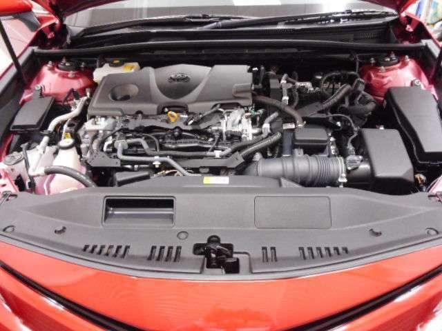 当社の専任スタッフによるトヨタ自慢の「まるクリ」でエンジンルームもピカ!ピカ!☆見えないところまで丁寧に仕上げています。