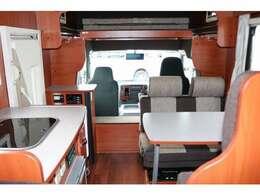 車両サイズ 長さ499cm幅208cm高さ287cm 総重量3015kg 8ナンバーキャンピング登録
