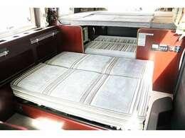 ダイネットベッドの展開も簡単です☆110×95cmの子供2名用ベッド☆