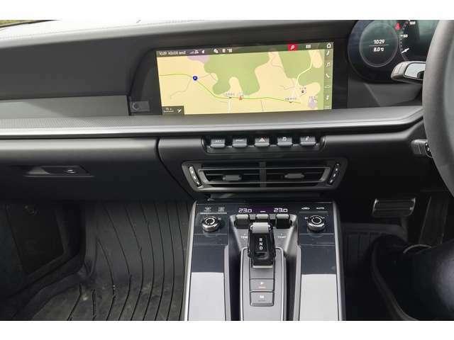 なんとWi-Fi装着車なので車内でインターネット接続が可能です