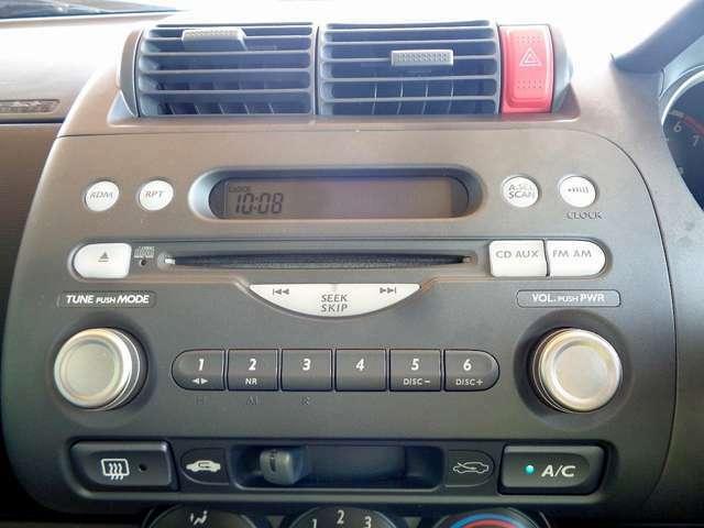 純正CD付き!また、納車に合わせて、新品メモリナビの販売・取付も承ります!お気軽にお申し付けください!