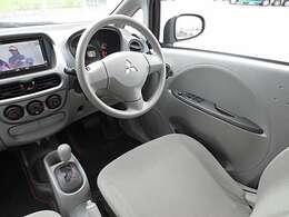 運転席周りの雰囲気になります!内外装クリーニング済!☆無料電話0066-9711-323494、お気軽に問い合わせください!