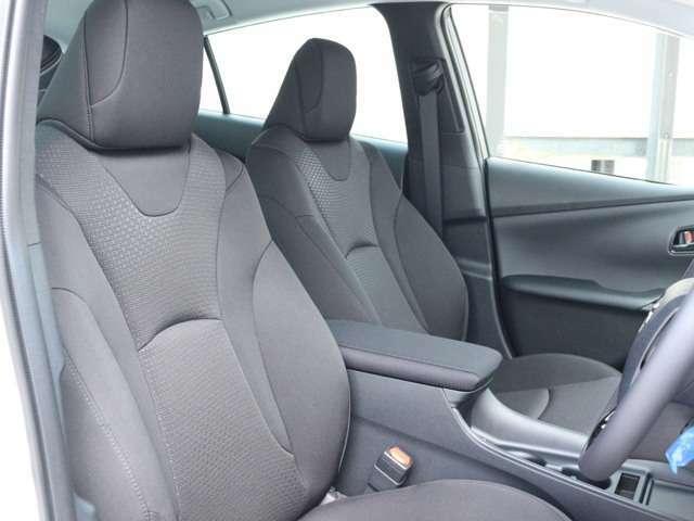 新車のため車検も3年・安心のメーカー保証(5年・10万キロ)も適応されます☆遠方のお客様でもお近くのディーラーにて保証やメンテナンスを受けて頂けます☆