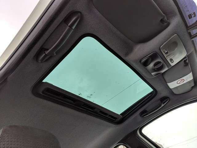 アフターに不安の方もお任せください。お車によってはカーセンサーアフター保証を別途有償保証で受けることも可能です!条件等はお電話でご確認ください。
