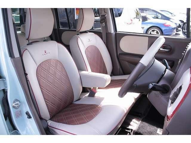 座席の高さを変えられるシートリフター付き♪(運転席)