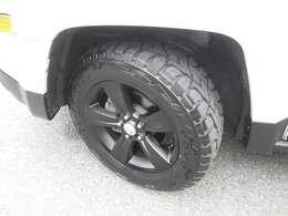 タイヤは新品OPNENCOUNTRY装着!ホイルは純正ブラック加工!