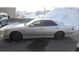 現在、雪のため車両は避難中です。 実車確認はご連絡いただければ助かります。