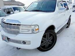 こちらのお車は自社買い取り(下取り)プライス車ですので、陸送費用、板金塗装代金は含まれておりません。