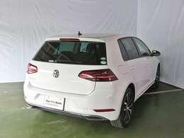 堅固なボディ剛性と足回りからくる走行安定性とコーナリング性能はオーナー様たちをドイツ車の魅力に惹きつけさせます。