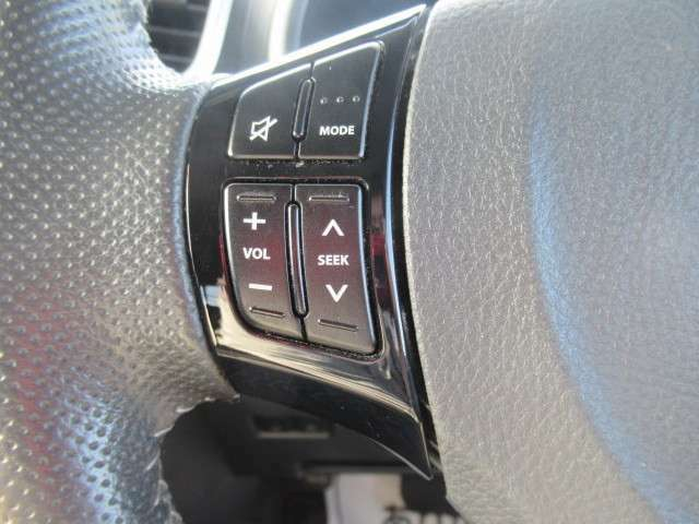 バックカメラ・ドライブレコーダーなどの取り付けも可能です。シートカバーや鈑金作業、車検取得、各種整備作業も行っております!なんでもお気軽にご相談下さい。
