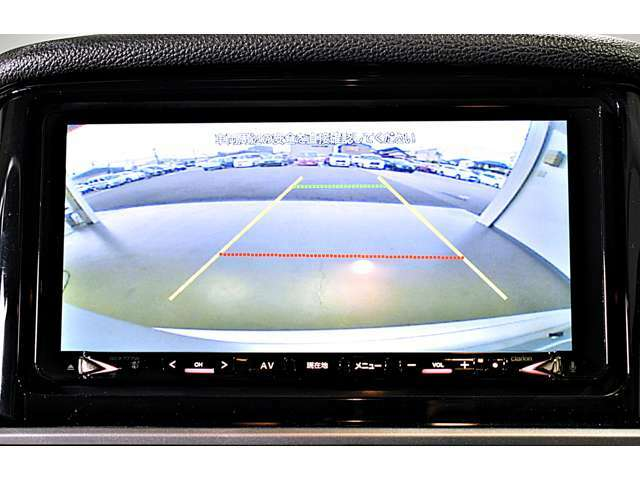 ナビに連動のバックカメラを装備☆後方視界は良好で車庫入れをしっかりサポートします!