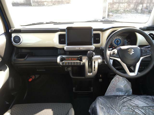運転のしやすい開放感のある運転席周り!