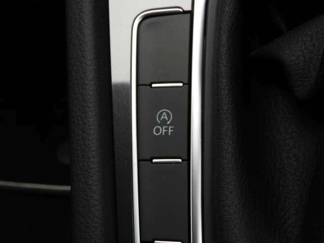 ☆Keyless Access:ポケットやカバンの中のキーを感知しドアハンドルに手を掛けるとドアのロックが解除。コンソールのスタートボタンを押すだけでエンジンの始動・停止ができます☆