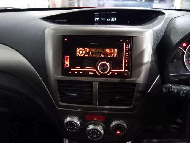 内外装装備ではフロントリップ STI用ウイング HID 17インチブラックAW キーレス ETC CD装備されてます。