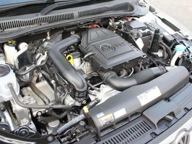 直噴ターボのTSIエンジンは低速トルクが太く、スムースな加速が魅力です。