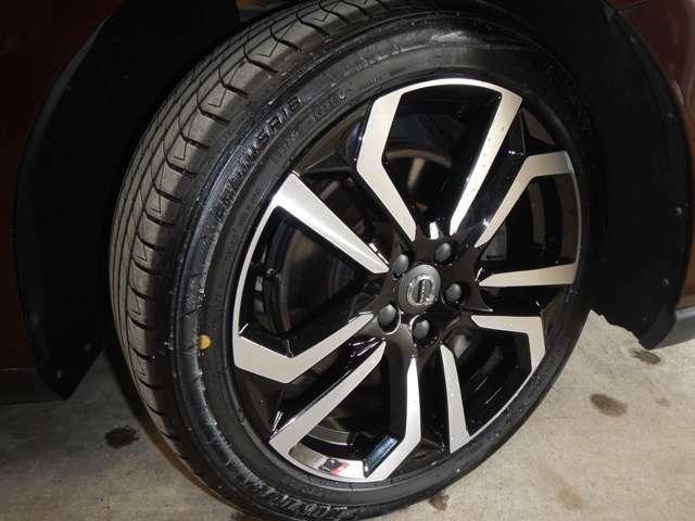 純正18インチAW・タイヤ溝充分あります。4本共に20年3週タイヤです。