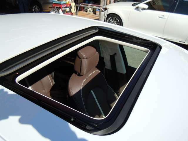 大一自動車では様々なお客様のニーズに応えられるよう、高級車からRV希少車、フォミリーカーや軽自動車まで幅広い車種を取り扱っており、お車の買取・メンテナンスなども承ります!