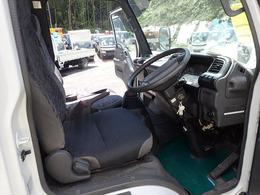 乗車定員:3人 走行 121,971kmAC PS PW AB ETC 左電動ミラー 6F/MT 内装は年式相応でシート修理済です。