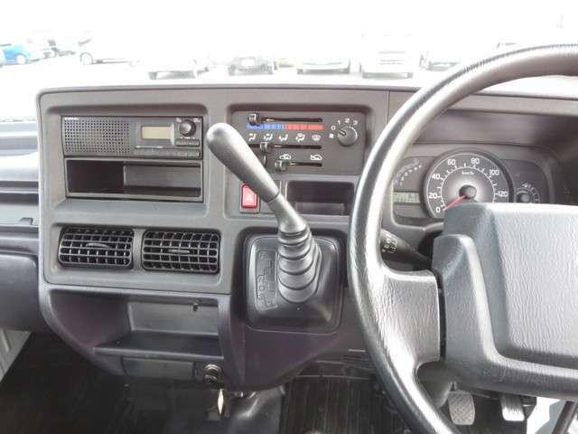 純正ラジオ、ダッシュ3速オートマ!