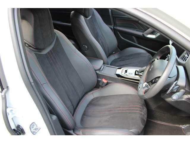 安全装備:アクティブクルーズコントロール。前方車両との車間距離を3段階で選択し維持するクルーズコントロール。前方車両が停止した場合には車間距離を保ちながら自動停止します。