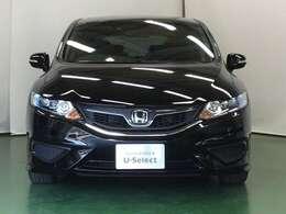 安全運転支援システムのホンダセンシング、LEDヘッドライト、サイドエアバッグ&サイドカーテンエアバッグ、ハーフシェイドウインドウなどを装備したジェイドハイブリッドです。