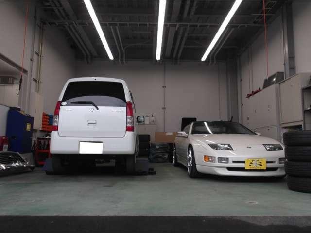 弊社認証工場にて車検はもちろん、整備、オイル交換、タイヤ交換など大歓迎です!お気軽にお問い合わせやご連絡ください!