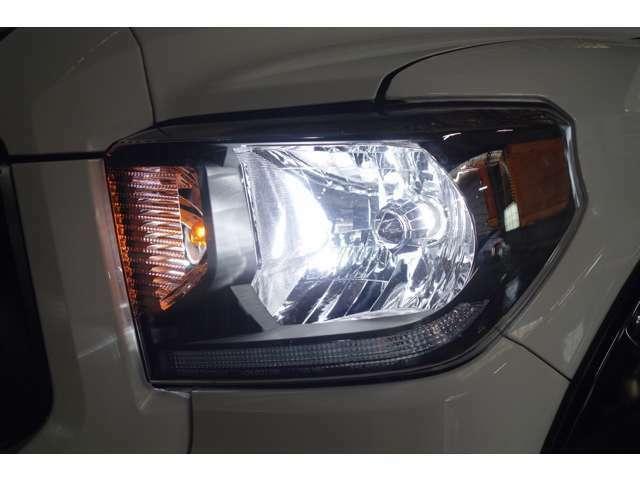 ☆ヘッドライトは社外ヘッドライトに交換済み!ヘッドライト、フォグライト共にLEDになっておりますので夜間時の走行も問題ありません☆