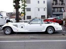 1991年式の光岡ドゥーラ!500限定の希少車です。ワンオーナーで、実走行11180マイル(17900km)と走行距離も少なく、大切に保管されていました車です。もちろん修復歴もございません。