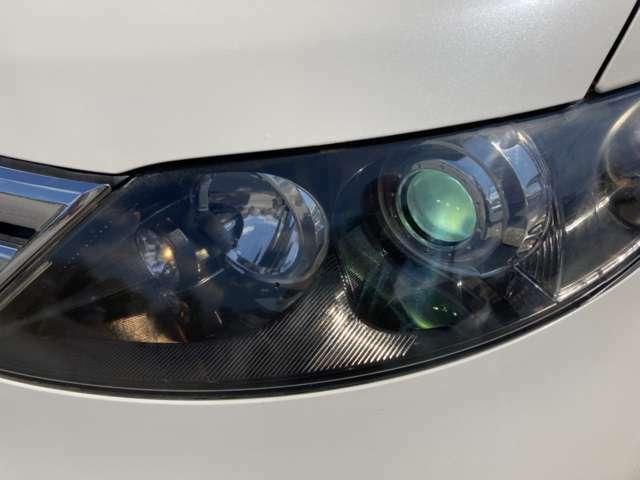 メーカーオプションHDDナビ DVDビデオ再生OK リアフリップダウンモニター スマートキー オートライト センターコンソール装備  両側電動スライドドア バックカメラ