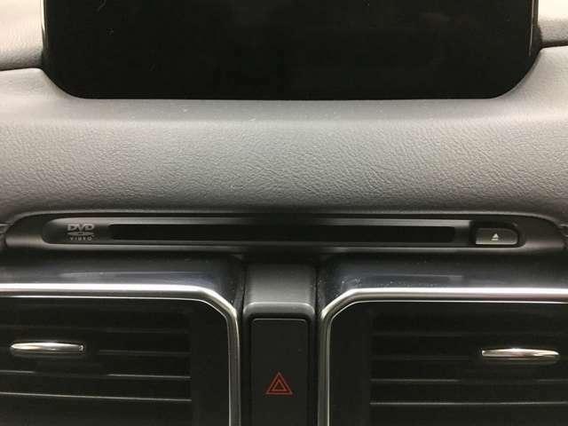Aプラン画像:CD/DVDプレーヤー付♪TVキット装着しておりますので運転中もTVやDVDの視聴、ナビ設定ができます♪