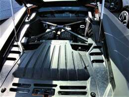 V型10気筒DOHC40バルブ エンジン 5204cc