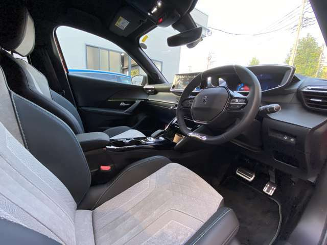 年間200台以上の中古車販売実績が御座います 安心してお乗り頂けるようきちんと整備、点検しご納車致します