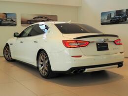 Quattroporte410馬力(カタログ値)純正オプション総額:828,762円 20インチクローノホイール・パワーサンルーフ・シフトパドル・ハイグロスエバーノウッドトリム