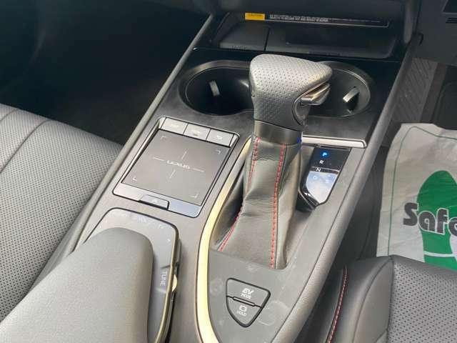 【ご納車時、外装コーティングおすすめ!!】ポリマー、ガラスコーティング承ります。いくつか種類・ランクがございます。車種、サイズによっても金額が異なります。別途お見積もり致しますのでお申し付け下さい。