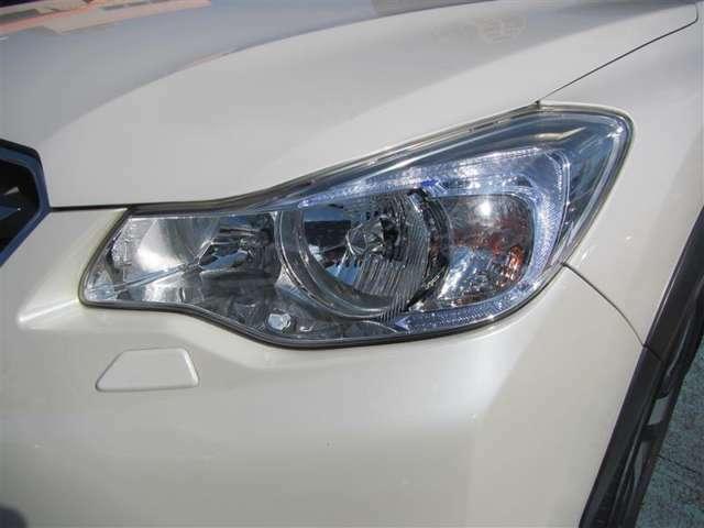 LEDヘッドランプです!スタイリッシュなだけでなく、視界を明るく照らし、安全で快適なドライブを楽しめます♪