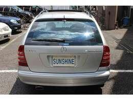 ボディーカラーはブリリアントシルバー、ガラスサンルーフ付です。新車時メーカーオプションのスポーツパッケージ付です。詳しくは弊社ホームページをご覧下さいhttp://www.sunshine-m.co.jp