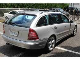 正規ディーラー車、ワンオーナー、正規ディーラー整備記録簿付です。新車時メーカーオプションのスポーツパッケージ付です。詳しくは弊社ホームページをご覧下さいhttp://www.sunshine-m.co.jp
