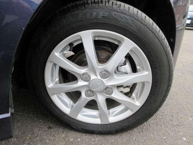 オシャレは足元から。アルミホイールで決まり!各、夏冬タイヤ・アルミホイール販売強化中!詳細はスタッフまで。