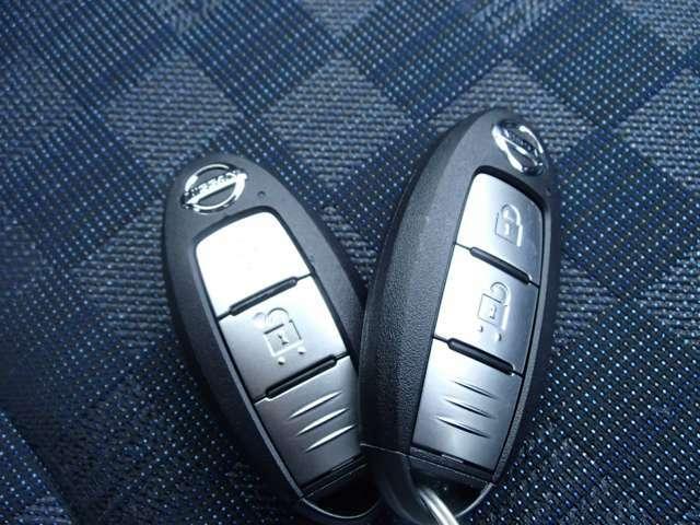 ★インテリジェントキー・・・キーをバックに入れたままドアの施錠・開錠がOk♪ さらにエンジンの始動・停止までできます。 また、エンジンイモビライザーにより車両の盗難防止機能を高めています。