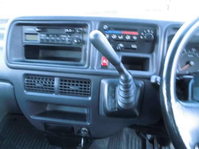 純正ラジオ。