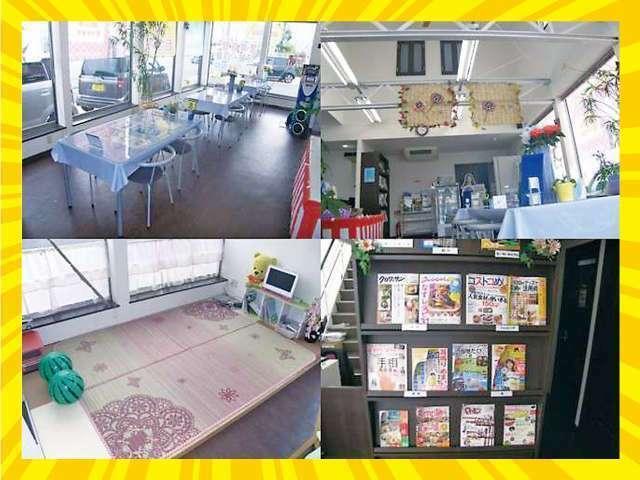 Bプラン画像:◆広々とした店内でゆっくりと大切な1台をお選び下さい♪また、お子様には嬉しいキッズスペース、絵本等もご用意しております◆